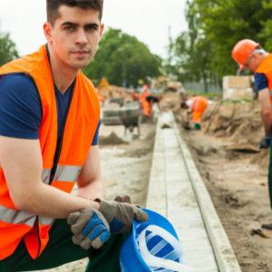 Tiefbauarbeiter im Straßenbau